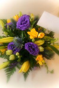 kwiaty z bilecikiem